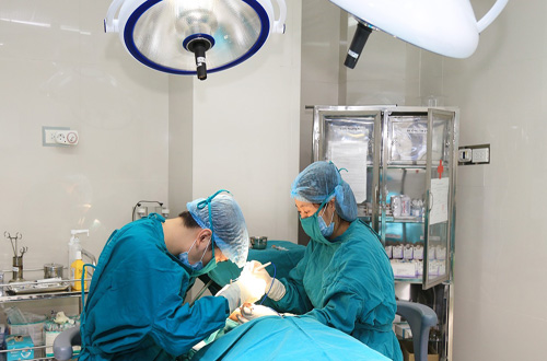 tiểu phẫu u bã đậu