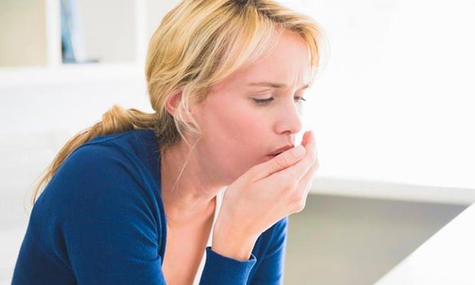 Khi bị đau ngực, khó thở thì không nên chủ quan mà cần đi khám ngay