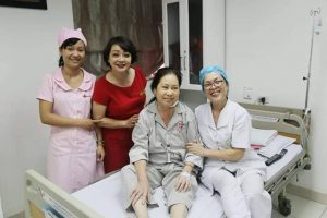 Chăm sóc sau mổ u tuyến giáp tại bệnh viện ung bướu Hưng Việt